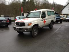 Toyota Land Cruiser 78 Metal top 4.2L   HZJ 78 Ambulance pack plus