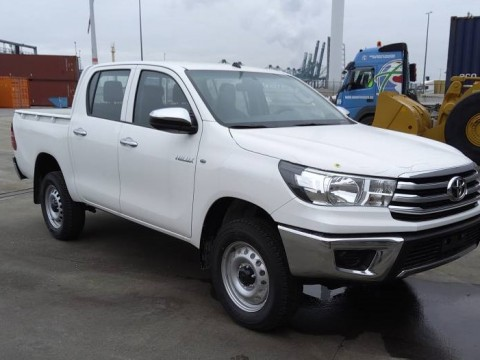 Toyota Hilux / Revo Pick-up double cabin 2.4L TD PACK